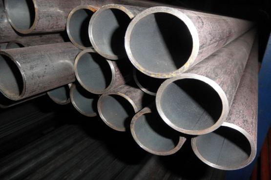 tubes-gaz-soudes-chez-Simon-et-Cie-a-Momignies
